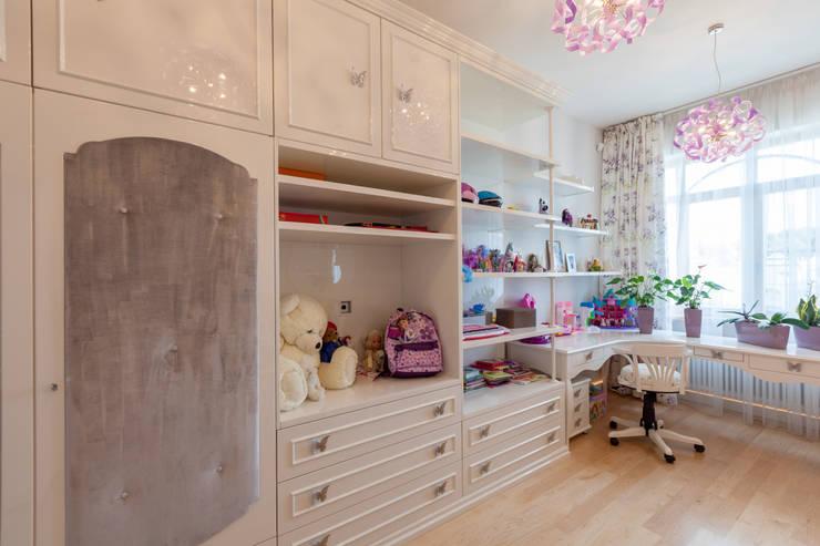 Квартира в современном стиле: Детские комнаты в . Автор – ARTteam,