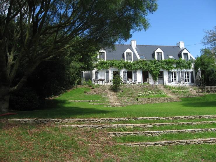 Escalier-jardin, Belle-Ile en Mer: Jardin de style  par Atelier Roberta