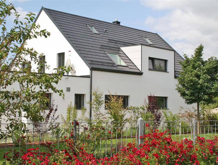 Projekty, nowoczesne Domy zaprojektowane przez hicker architekten