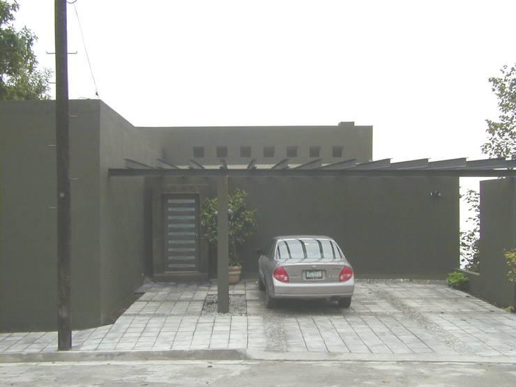 Casa Gamez Casas modernas de Moya-Arquitectos Moderno