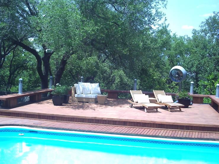 Pool Área Barrenechea - Santiago: Albercas de estilo  por Moya-Arquitectos