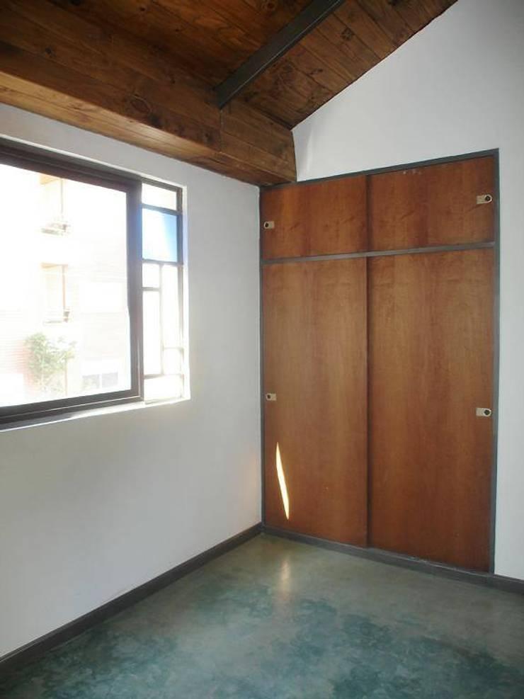 Santiago del Estero 623 - Buenos Aires: Dormitorios de estilo moderno por Arquitecta Mercedes Rillo