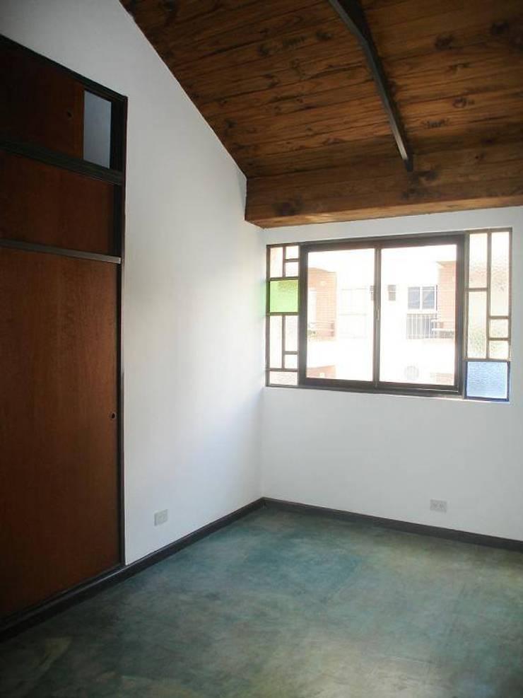 Santiago del Estero 623 – Buenos Aires: Dormitorios de estilo moderno por Arquitecta Mercedes Rillo