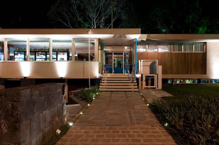 Forneria Copacabana | Itupava: Espaços gastronômicos  por Claudia Pereira Arquitetura