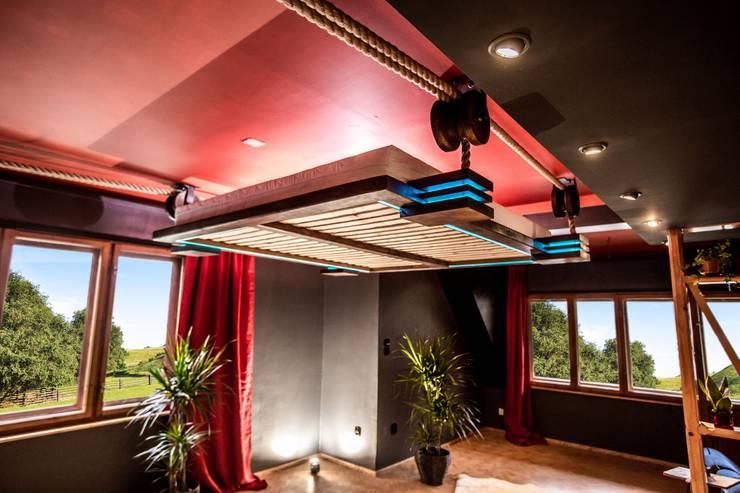 Camera da letto in stile in stile Minimalista di Hanging beds