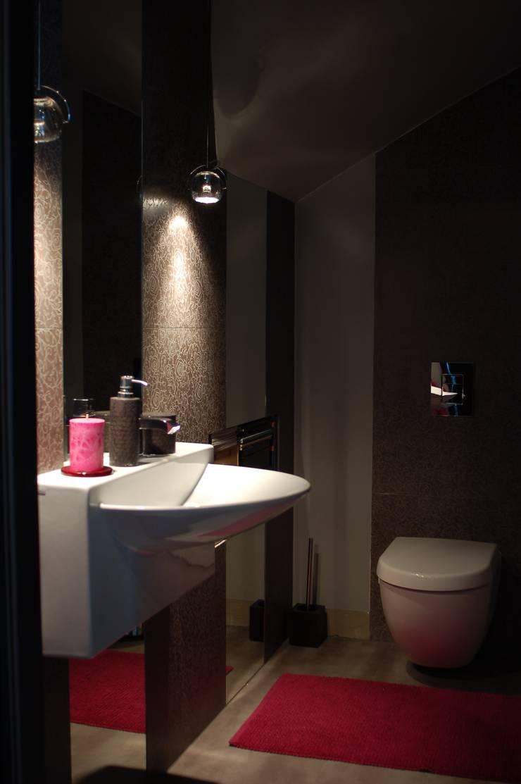 Apartament Olbrachta: styl , w kategorii Łazienka zaprojektowany przez deco chata,Nowoczesny