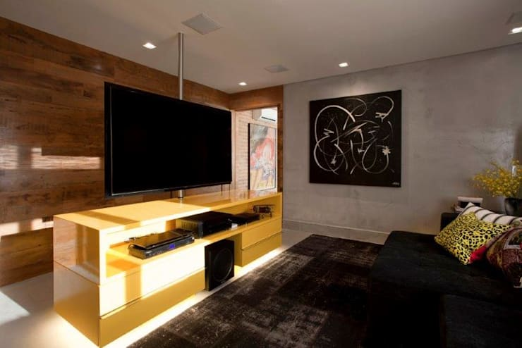 modern Media room by Marcelo Rosset Arquitetura