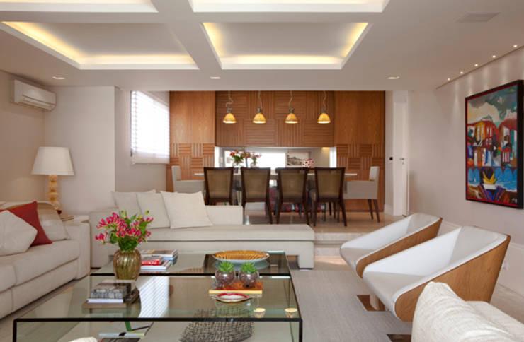 Apartamento Higienópolis: Salas de jantar modernas por Marcelo Rosset Arquitetura