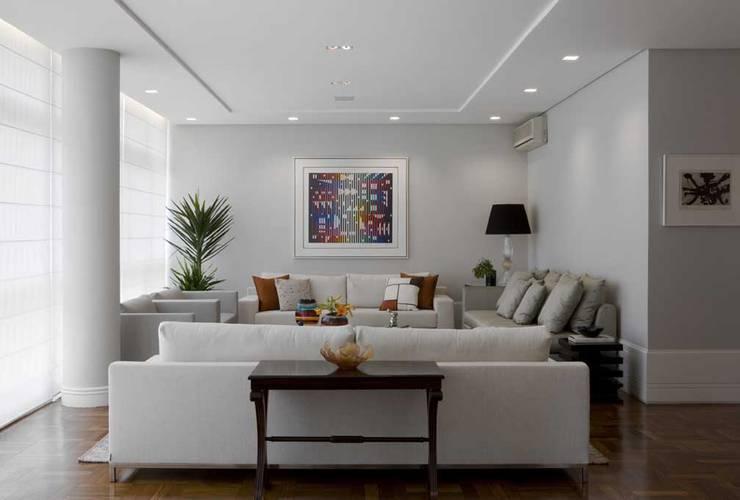 Apartamento Higienópolis 3: Salas de estar  por Marcelo Rosset Arquitetura,Moderno