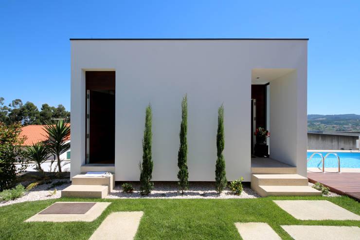 Casas de estilo  por 3H _ Hugo Igrejas Arquitectos, Lda