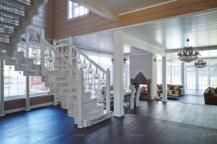 Кованая лестница в интерьере гостиной: Коридор и прихожая в . Автор – ODEL