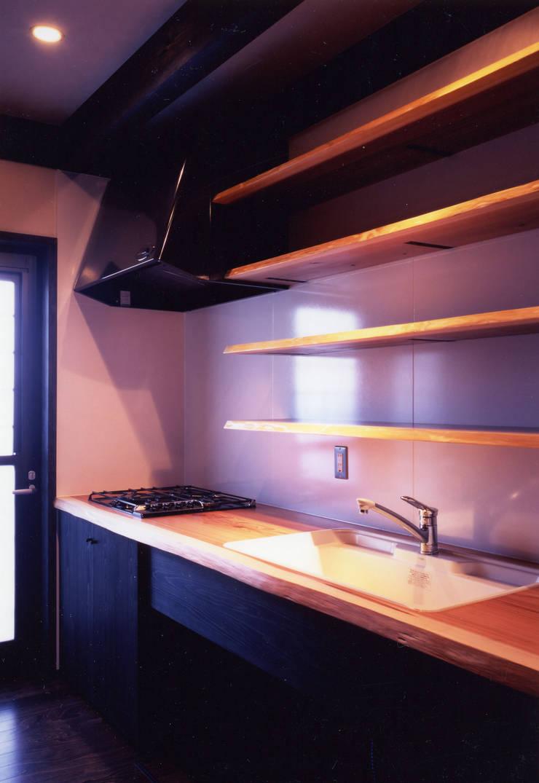 misawa house: 髙岡建築研究室が手掛けたキッチンです。
