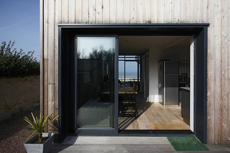 Patios & Decks by Natacha Goudchaux Architecte d'interieur