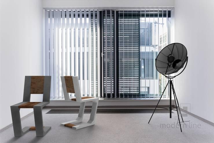 Krzesło Gravity: styl , w kategorii Pomieszczenia biurowe i magazynowe zaprojektowany przez Modern Line