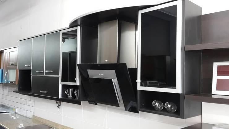 Kitchen by CASA LEIRO
