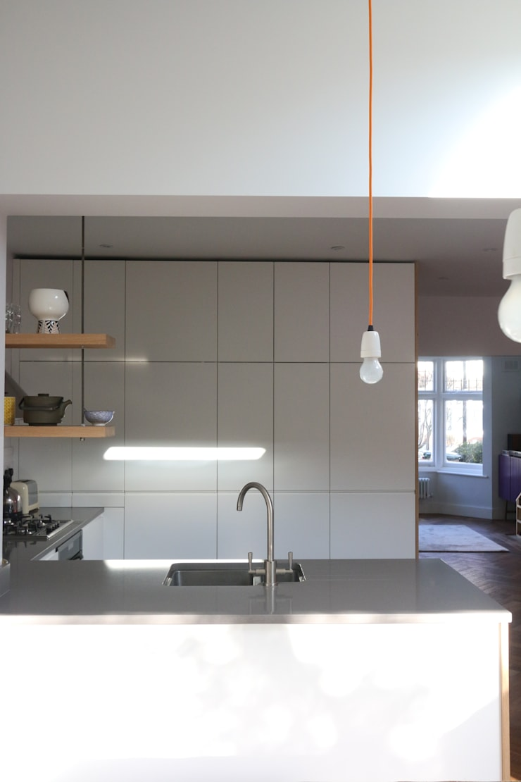 Tatnell Road: modern Kitchen by Gruff Limited