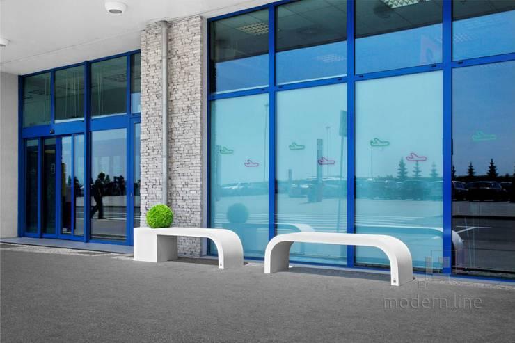 Ławodonica Harmony: styl , w kategorii Balkon, weranda i taras zaprojektowany przez Modern Line