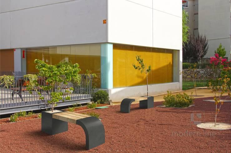Ławodonica Harmony: styl , w kategorii Ogród zaprojektowany przez Modern Line