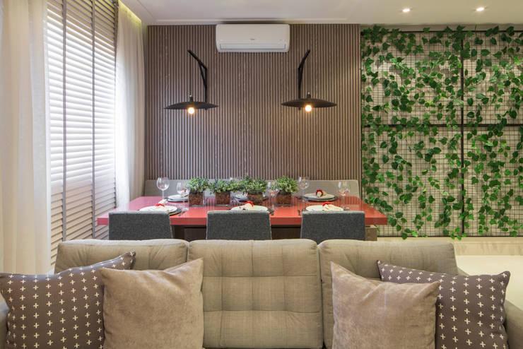 Ruang Makan by SESSO & DALANEZI