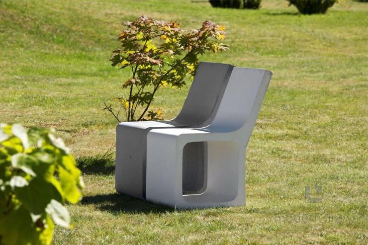 Stołek Harmony z oparciem: styl , w kategorii Ogród zaprojektowany przez Modern Line