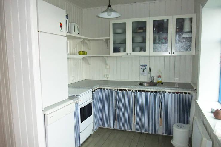 Küche :  Küche von Büro für Solar-Architektur