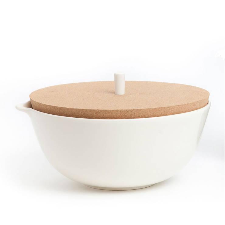Saladeira pérola: Cozinha  por Lusa Mater