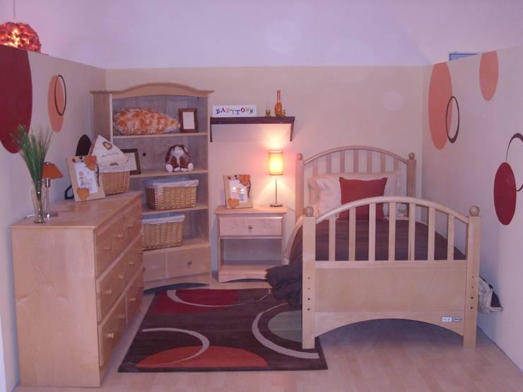 Habitaciones infantiles: Spa de estilo  por Paola Hernandez Studio Comfort Design