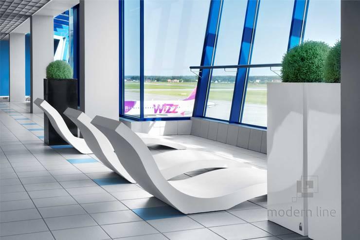 Szezlong Harmony: styl , w kategorii Balkon, weranda i taras zaprojektowany przez Modern Line