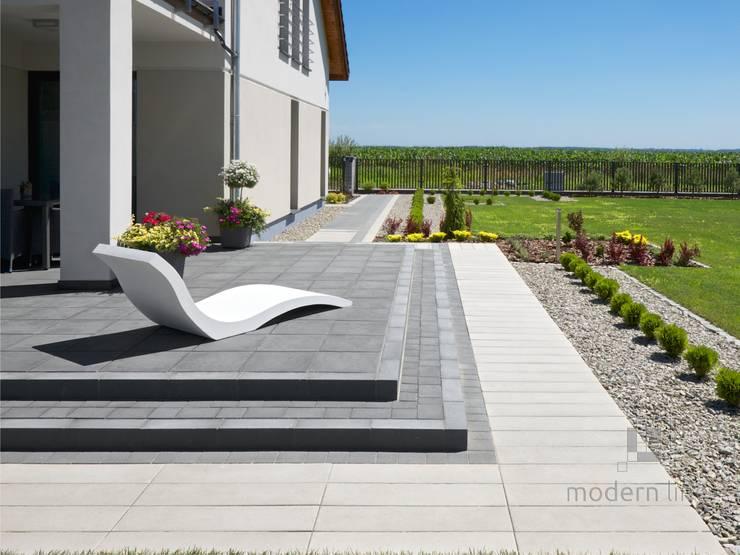 Szezlong Harmony: styl , w kategorii Ogród zaprojektowany przez Modern Line
