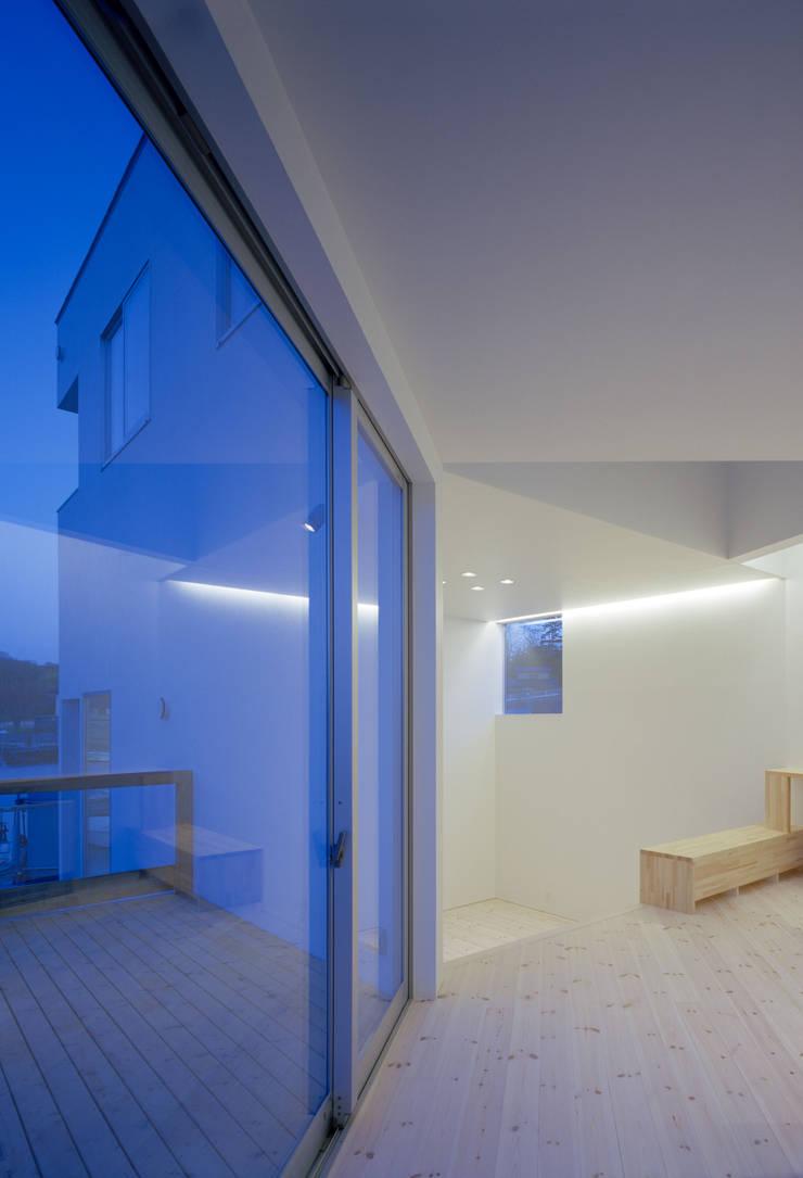 ハマノイエ: 関建築設計室 / SEKI ARCHITECTURE & DESIGN ROOMが手掛けたリビングです。,