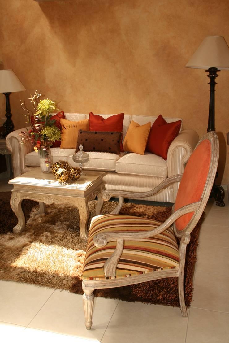 Habitaciones : Comedores de estilo  por Paola Hernandez Studio Comfort Design