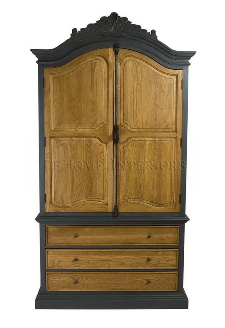 Шкаф Chambre Antique Armoire L019: Гардеробная в . Автор – LeHome Interiors