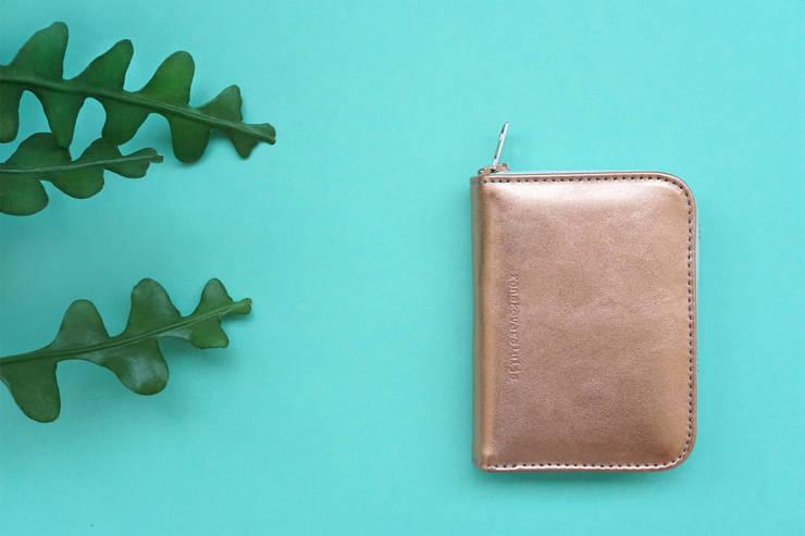 leren portemonnee in de kleur 'copper':   door renskeversluijs, Minimalistisch Leer Grijs