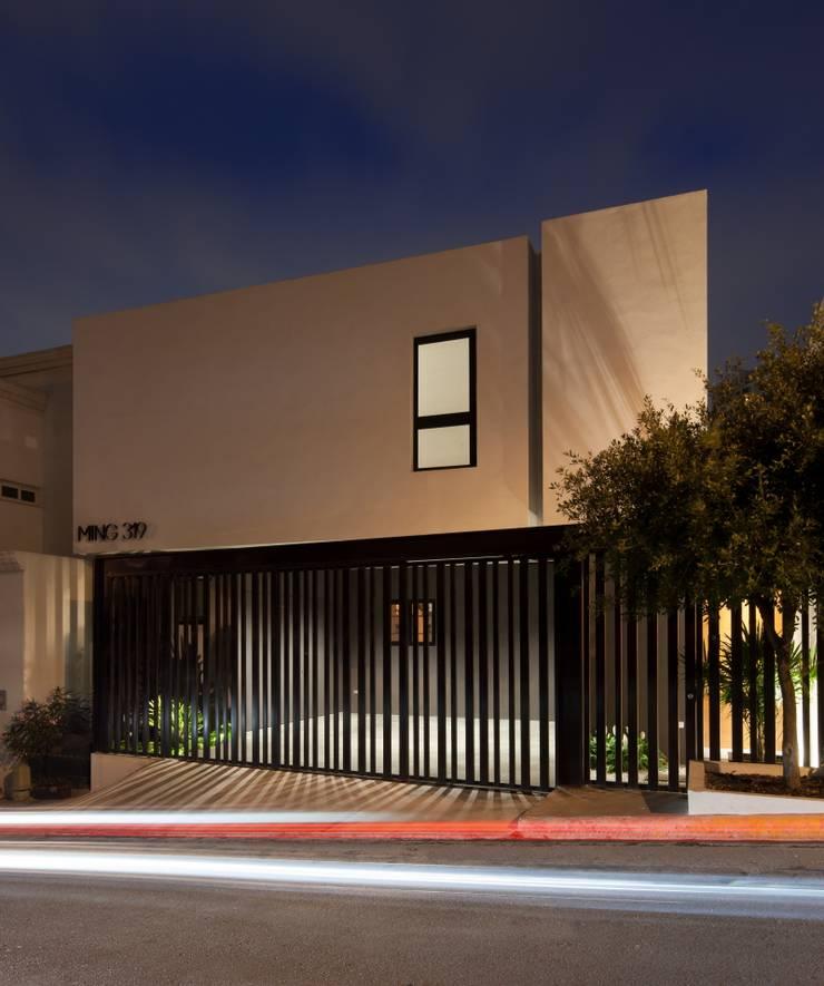 Casa Ming: Casas de estilo  por LGZ Taller de arquitectura