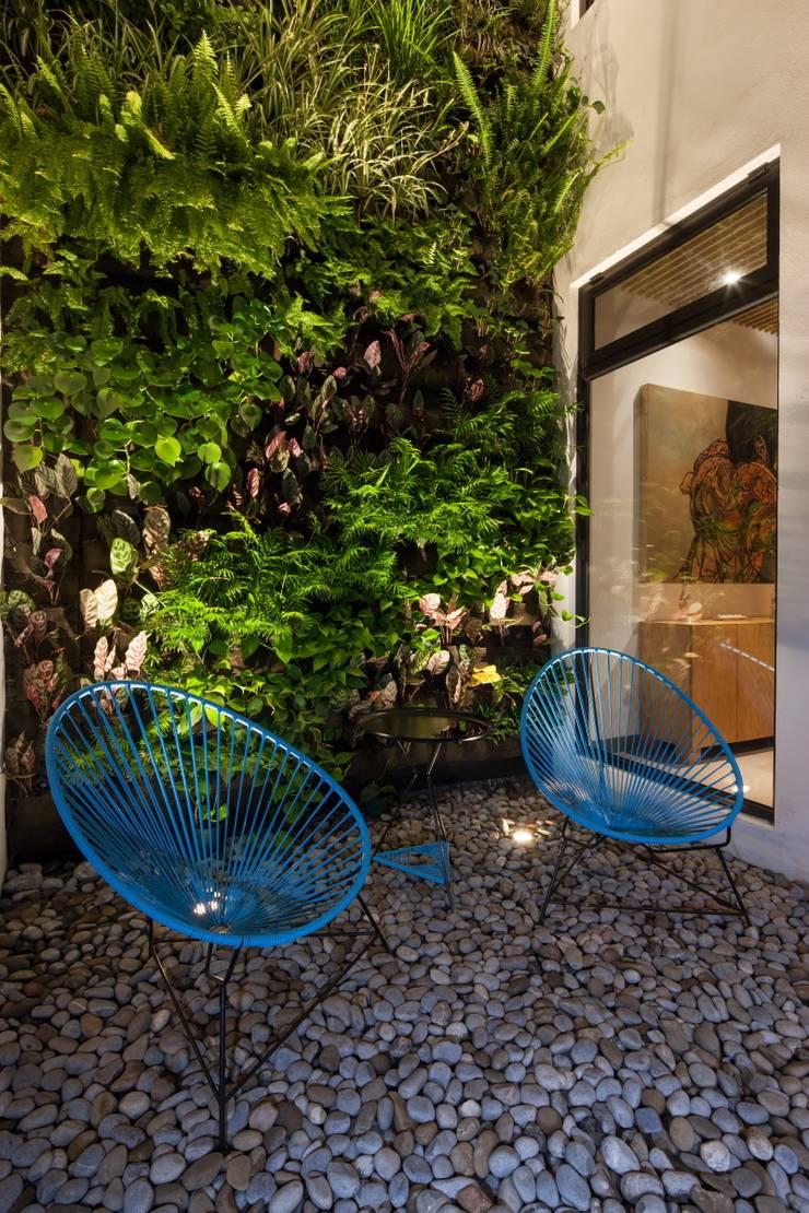Casa Ming: Jardines de estilo  por LGZ Taller de arquitectura