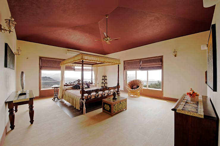 Lonavla Bungalow:  Bedroom by JAYESH SHAH ARCHITECTS