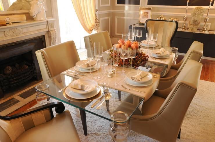 Christmas Dinning Room: Salas de jantar  por Critério Arquitectos by Canteiro de Sousa