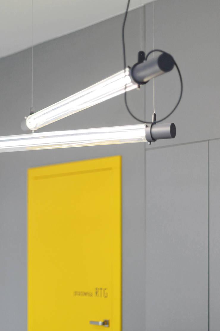 PRACOWNIA RTG W BEŁCHATOWIE: styl , w kategorii Kliniki zaprojektowany przez BASK grupa projektowa