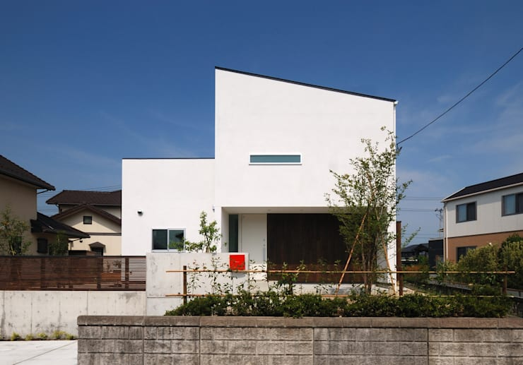 Houses by 株式会社ブレッツァ・アーキテクツ,