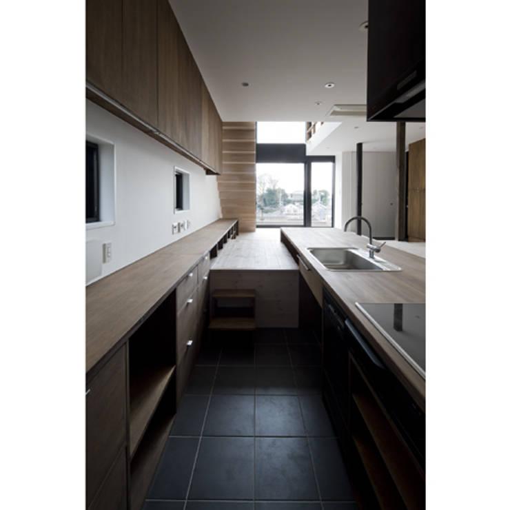 だんだんのいえ: 関建築設計室 / SEKI ARCHITECTURE & DESIGN ROOMが手掛けたキッチンです。,