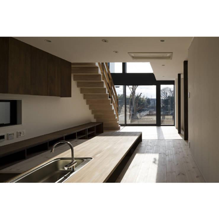 だんだんのいえ: 関建築設計室 / SEKI ARCHITECTURE & DESIGN ROOMが手掛けたダイニングです。,