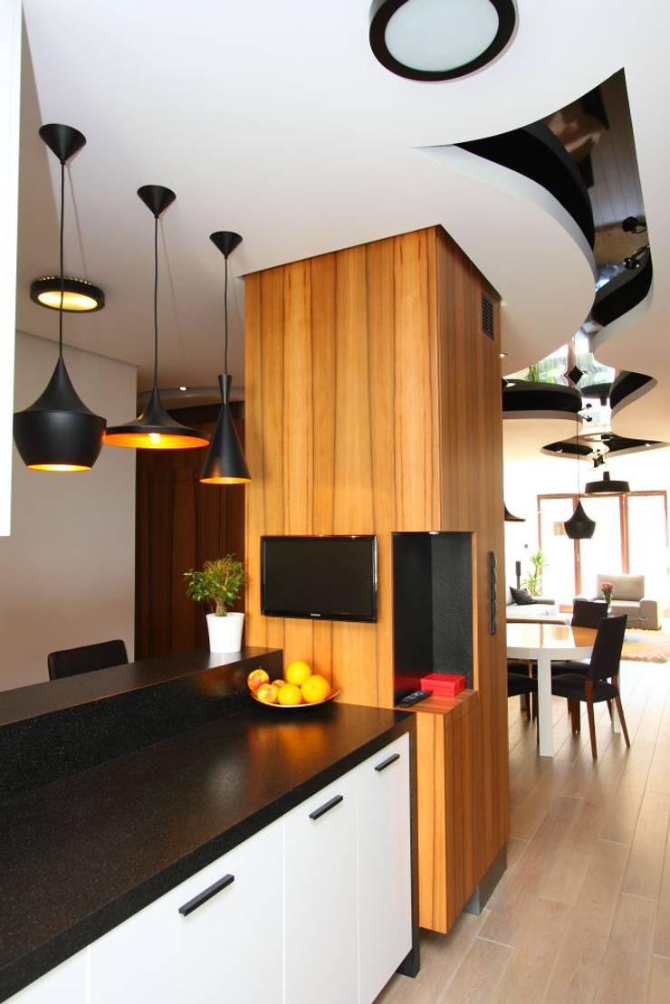 apartament  miasteczko wilanow: styl , w kategorii Kuchnia zaprojektowany przez PIKSTUDIO,Nowoczesny