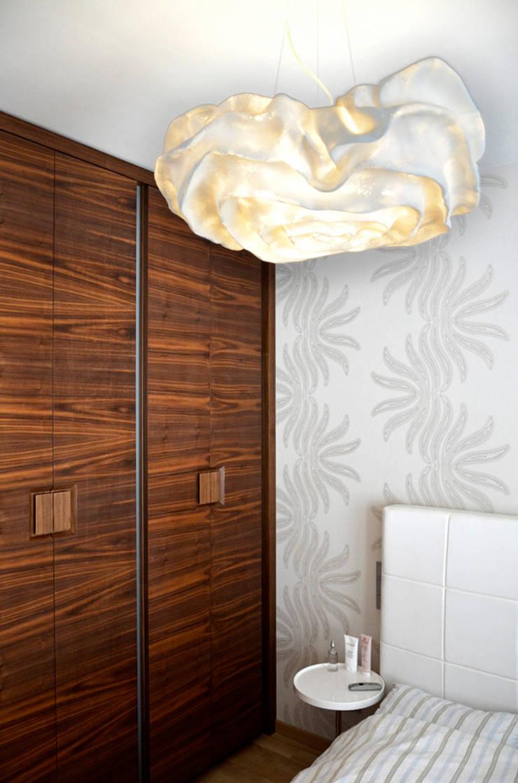 apartament na w warszawie na bluszczanskiej: styl , w kategorii Kuchnia zaprojektowany przez PIKSTUDIO