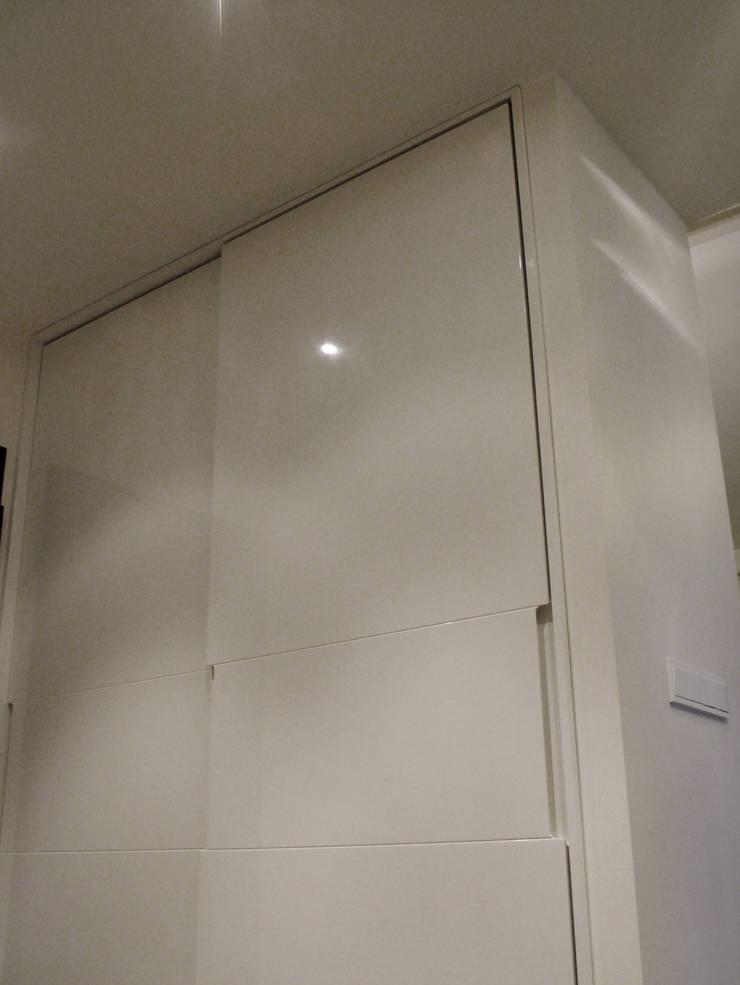 mieszkanie dla pary, 55m2, Gdańsk: styl , w kategorii Łazienka zaprojektowany przez Studio Projektowania doMIKOart,Nowoczesny