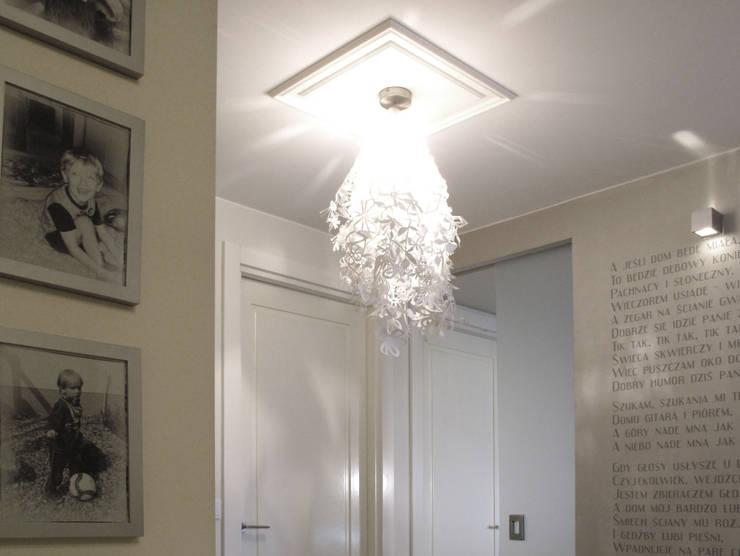 Mieszkanie dla pary z dzieckiem, 67m2, Gdańsk: styl , w kategorii Kuchnia zaprojektowany przez Studio Projektowania doMIKOart