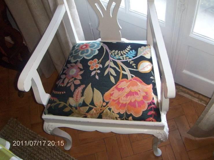Mesa de jantar e cadeiras:   por Restauro em Sintra