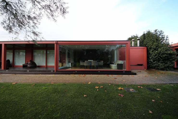 Casa de Campo em Barcelos: Casas  por 3H _ Hugo Igrejas Arquitectos, Lda