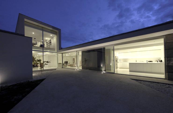Дома в . Автор – 3H _ Hugo Igrejas Arquitectos, Lda