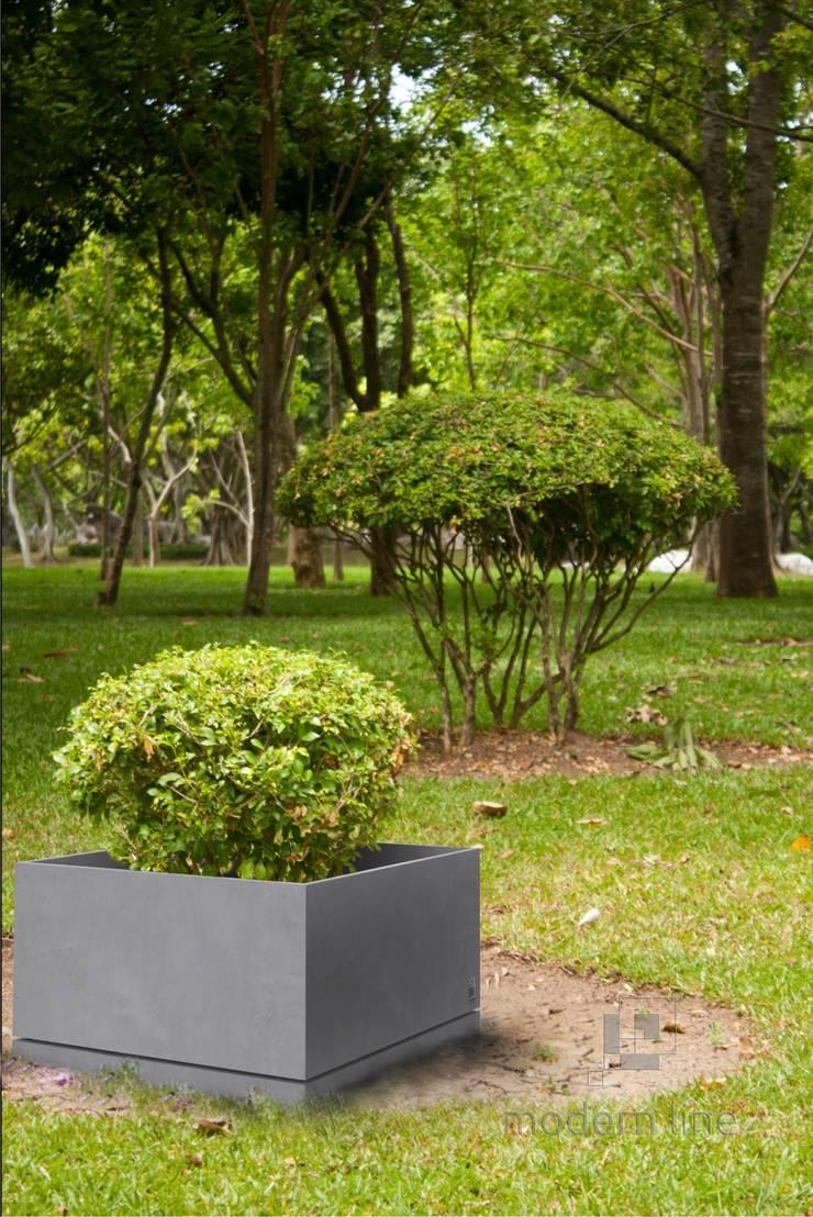 Donica Regular z podstawką: styl , w kategorii Ogród zaprojektowany przez Modern Line,