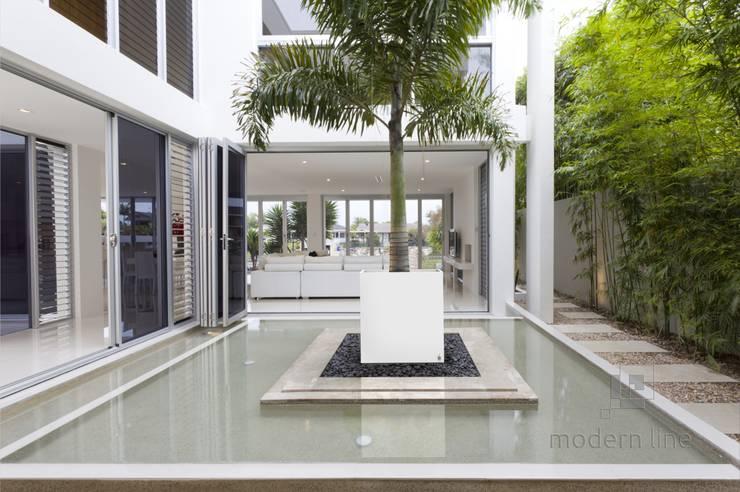 Donica BIG: styl , w kategorii Balkon, weranda i taras zaprojektowany przez Modern Line